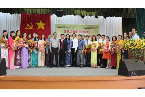 LỄ TỐT NGHIỆP LỚP TRUNG CẤP THƯ VIỆN KHÓA 2016 - 2018 ĐÀO TẠO TẠI THƯ VIỆN KHTH TP.HCM