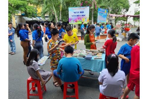 """Ngày hội Văn hoá đọc với chủ đề  """"Hè vui đọc sách - Thoả sức sáng tạo"""" trên  địa bàn Quận Tân Bình - Tp. HCM"""